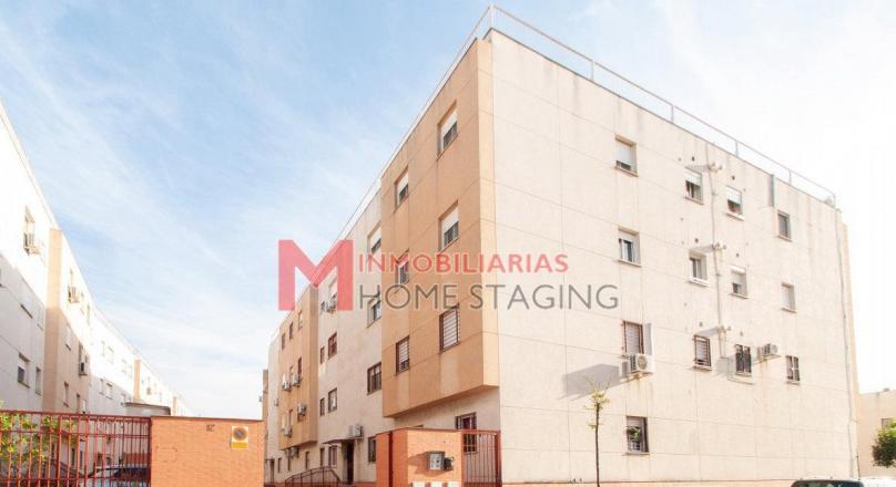 Piso de 3 dormitorios y garaje en Dos Hermanas Cantaelgallo